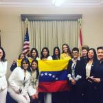 Editora De Columna Estilos Recibe Reconocimiento En El Congreso De EEUU
