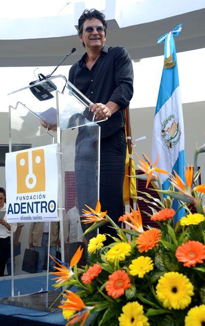 EscuelaAdentro1